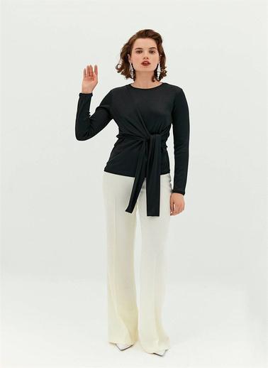 Rue Önü Düğüm Detaylı Bluz Siyah